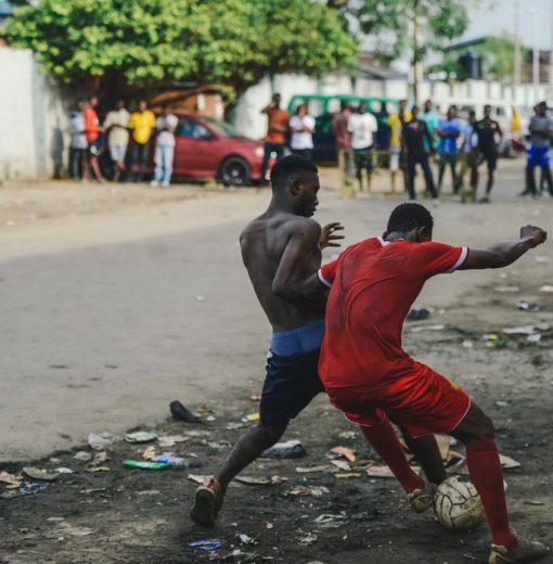 Le foot de rue à Lagos vu par Sebastian Barros